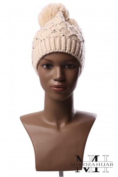 Winter hat with diamond pompom for women