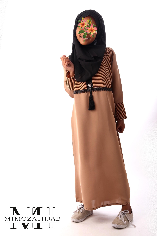 Abaya Camel pour fille avec liserai noir