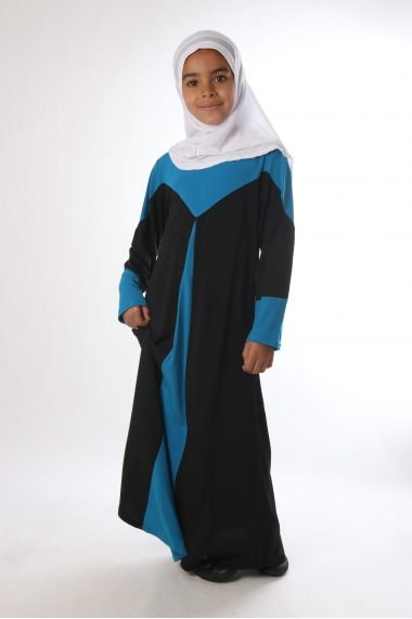 Abaya for bicoloured girl with flared cut.