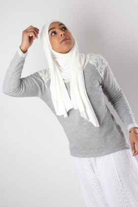 Sweatshirt sweater with lace