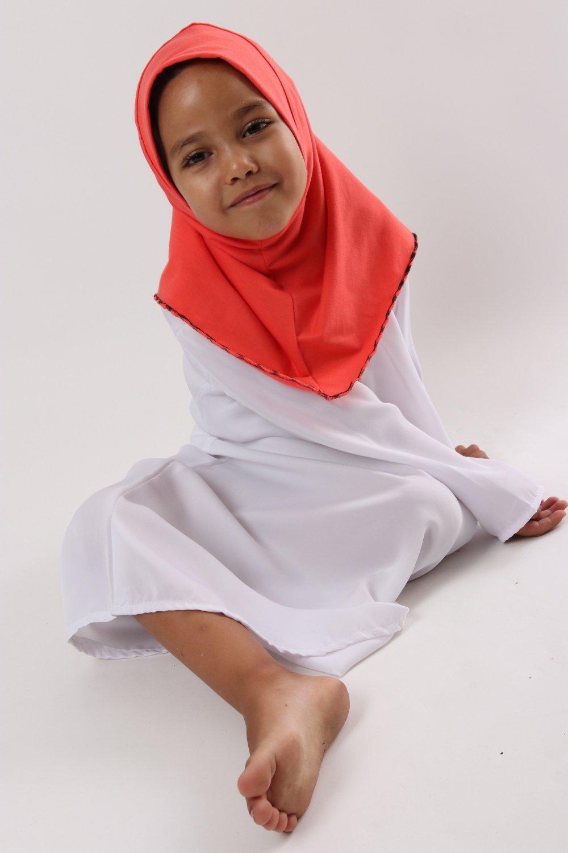 Hijab Ines