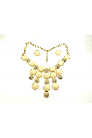 Woman Golden Collar Bina