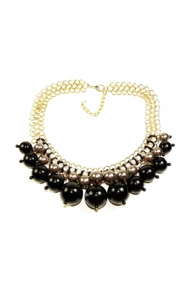 Choker with pearl evening