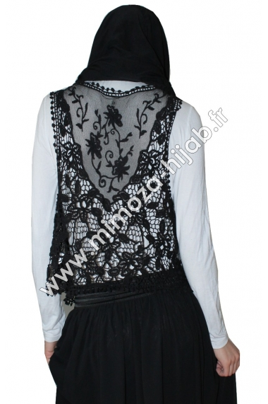 Owa sleeveless with lace