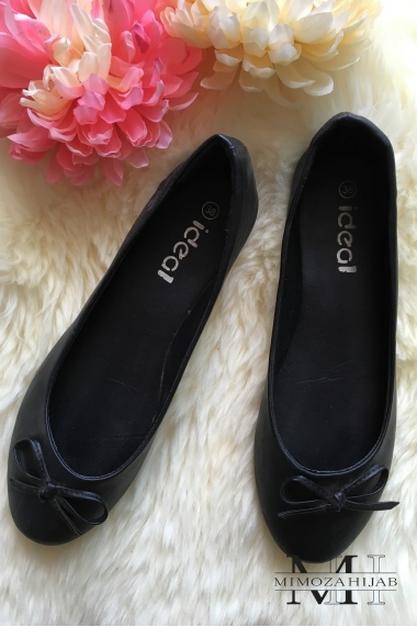Classic black ballerina with bow